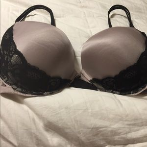 9039aea9677 Victoria s Secret · Victoria secret very sexy push up bra size 38DD